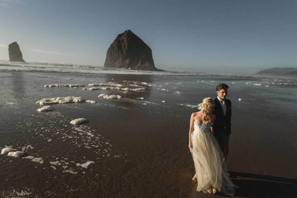 Cannon-Beach-Oregon-Adventure-elopement-engagement-photographer-haystack-rock-9