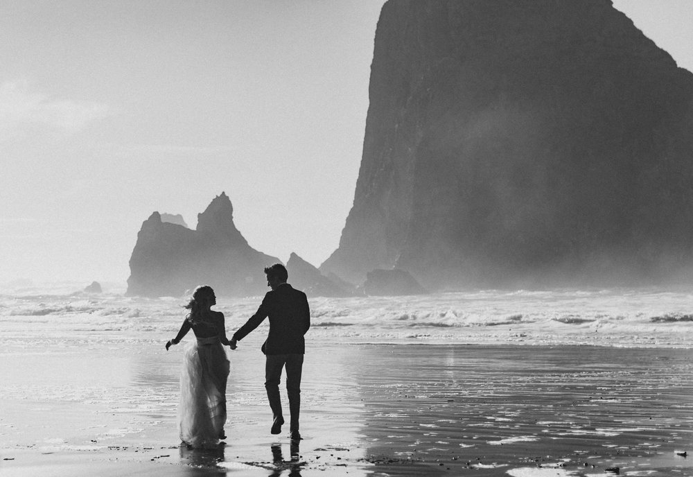 Cannon-Beach-Oregon-Adventure-elopement-engagement-photographer-haystack-rock-13