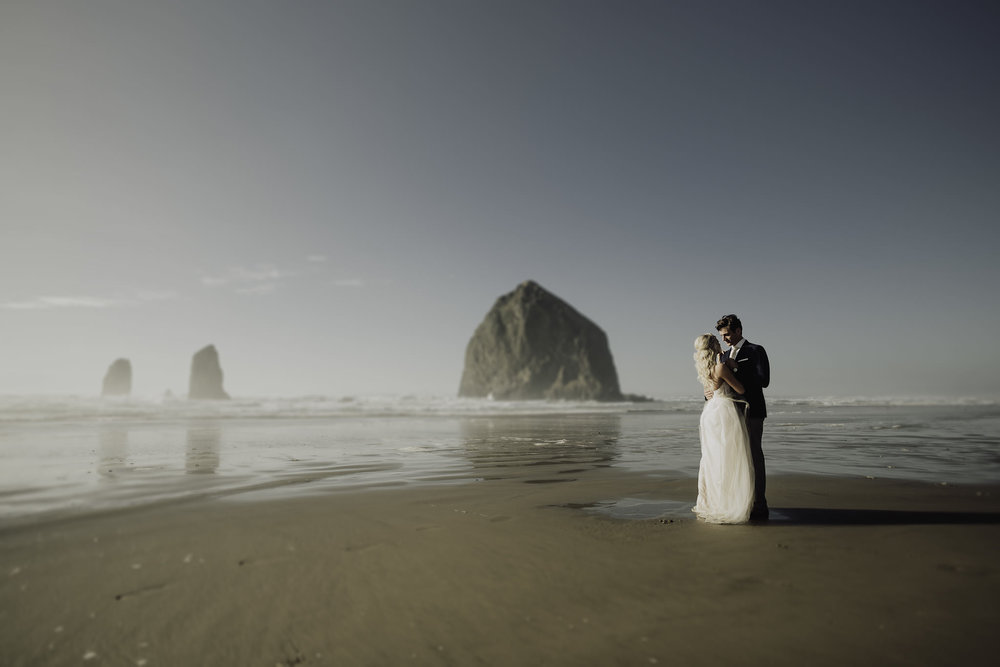 Cannon-Beach-Oregon-Adventure-elopement-engagement-photographer-24