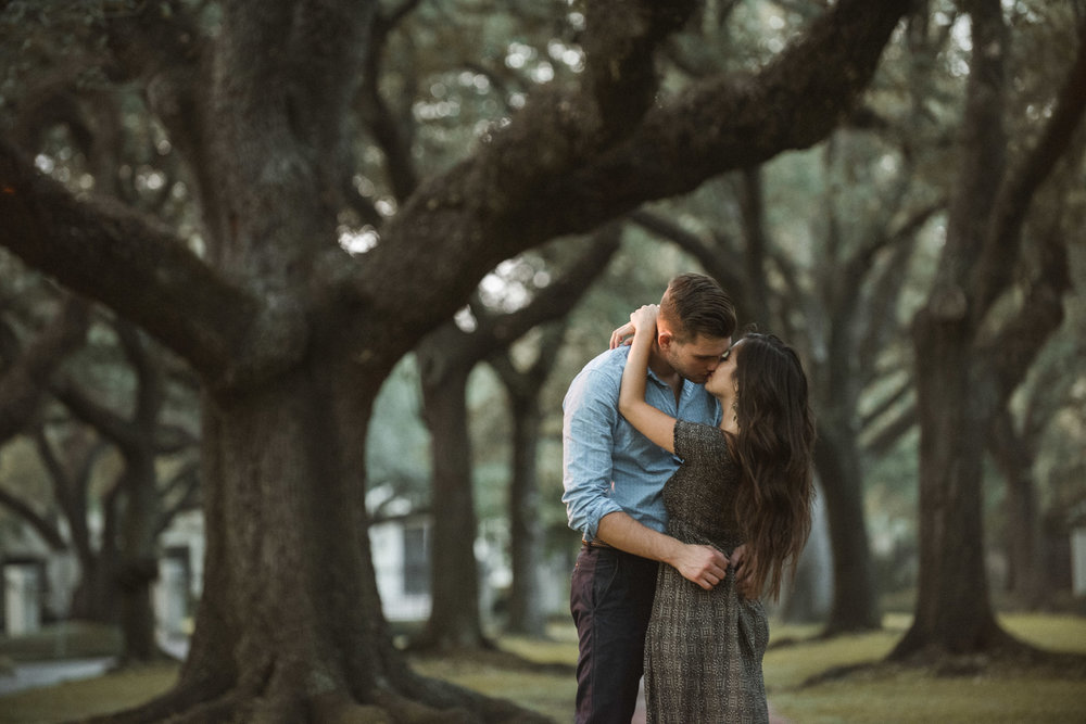 Hermann-park-houston-woods-outdoor-nature-styled-engagement-photography-trees-forest