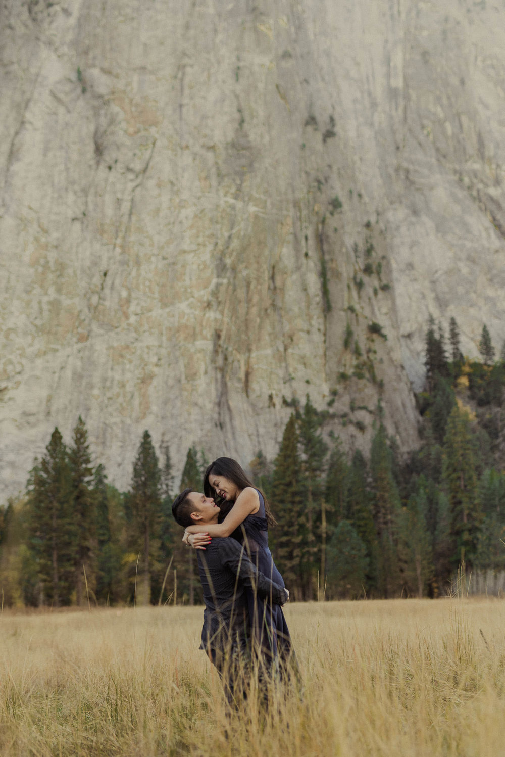 adventure-engagement-destination-photographer-yosemite-park-california-vietnamese
