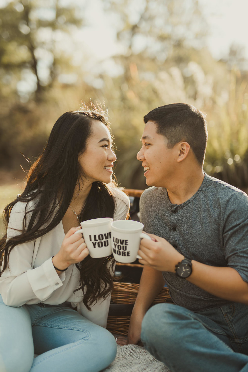 Hermann-park-houston-vietnamese-engagement-golden-hour-photographer-romantic-picnic