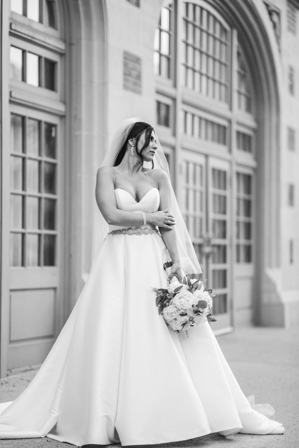 houston-downtown-crystal-ballroom-classy-luxury-wedding-bride-photographer