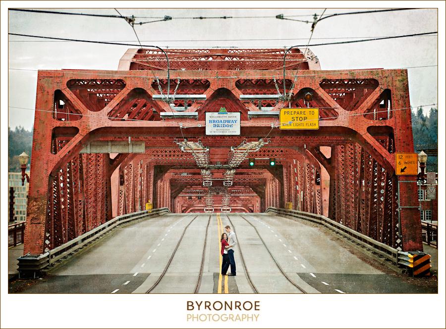 portland-or-urban-broadway-bridge-pre-wedding-engagement-photography-caseyelyssa-byronroephotography-1.jpg