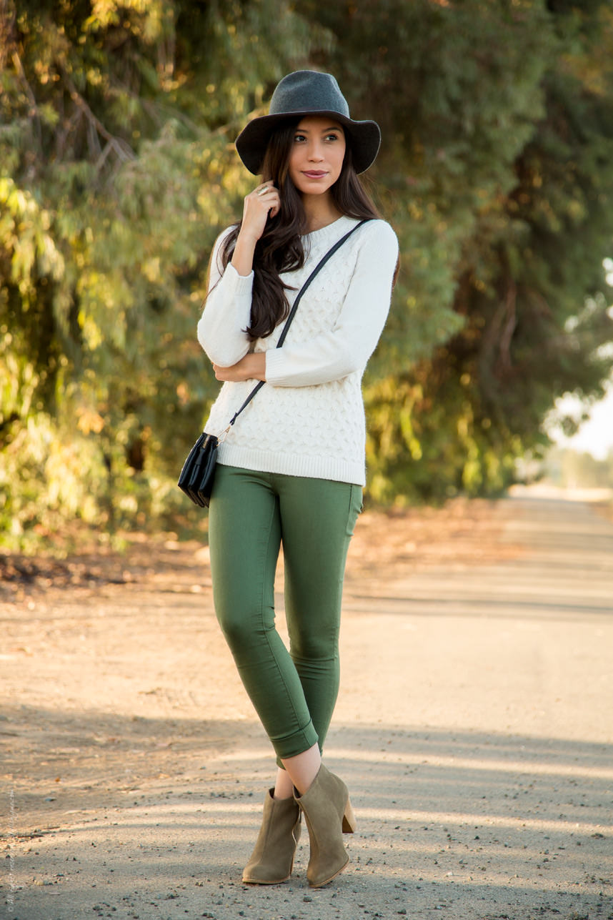 olive-green-pants-fall-outfit.jpg