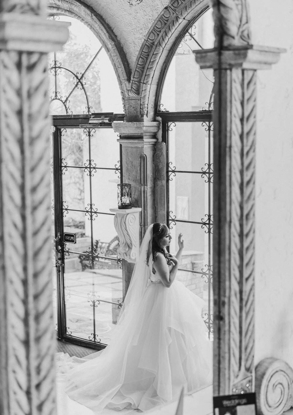 houston-wedding-venue-bridal-session-photographer-las-velas-tuscan