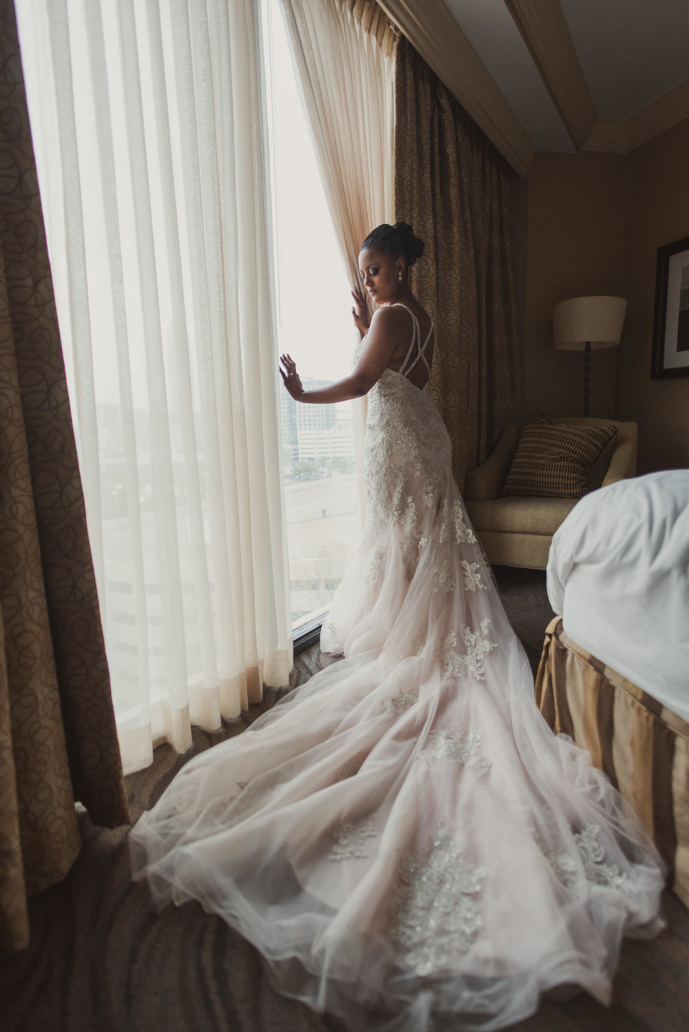 St-regis-hotel-galleria-houston-wedding-photographer