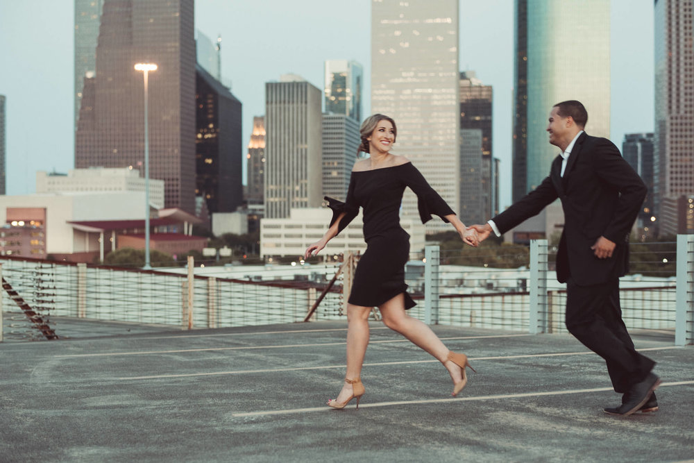 Sabine-street-houston-engagement-photographer-city-skyline-sunset-golden-hour