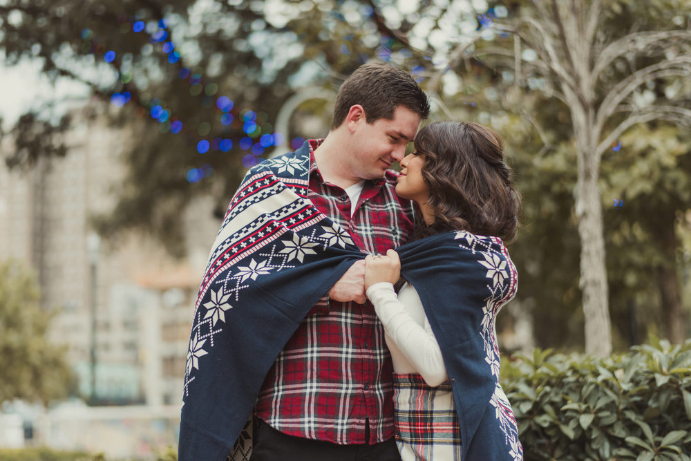 houston-main-street-lifestyle-colorful-holiday-engagement-photographer