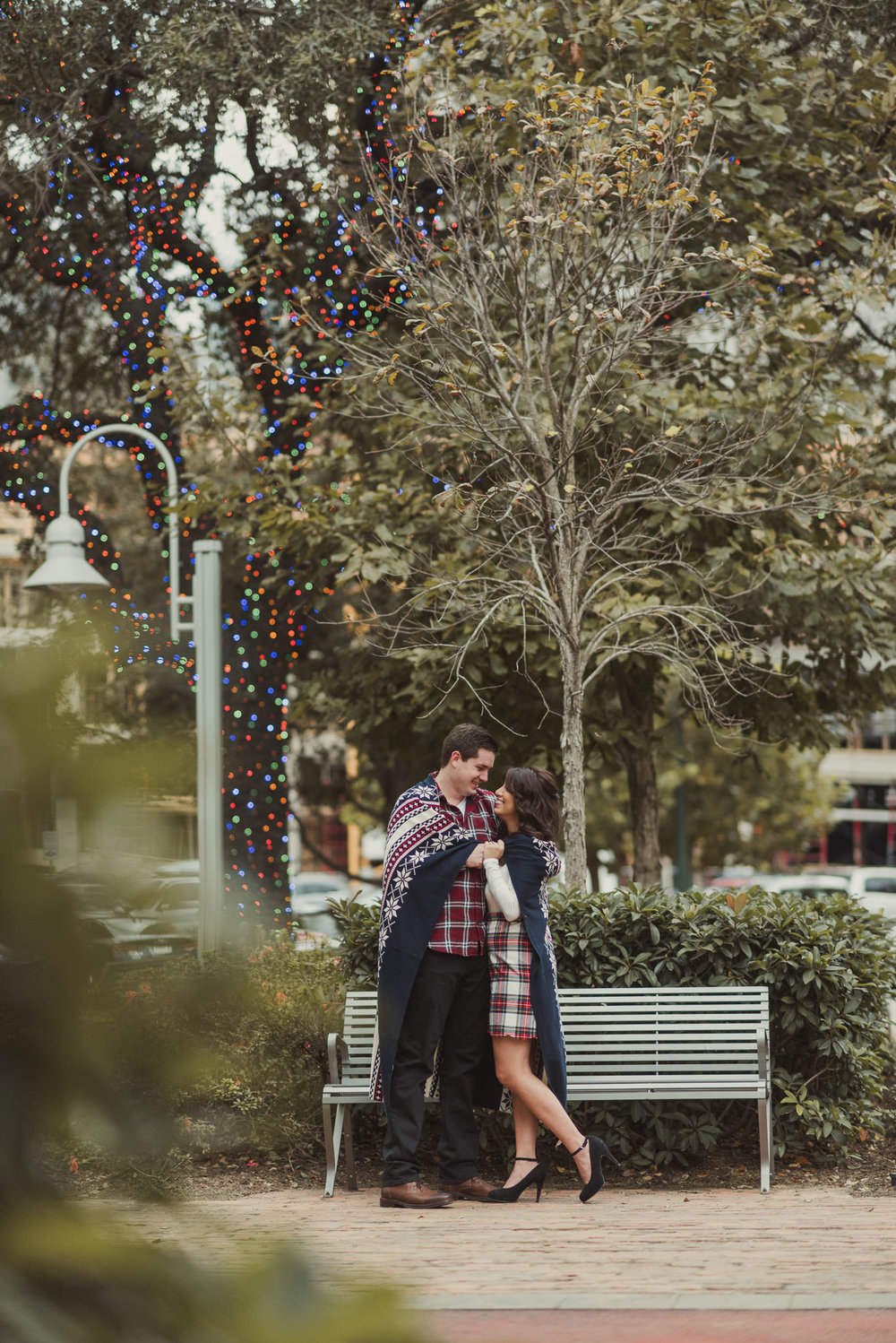 houston-main-street-lifestyle-colorful-holiday-engagement-photographer-market-square