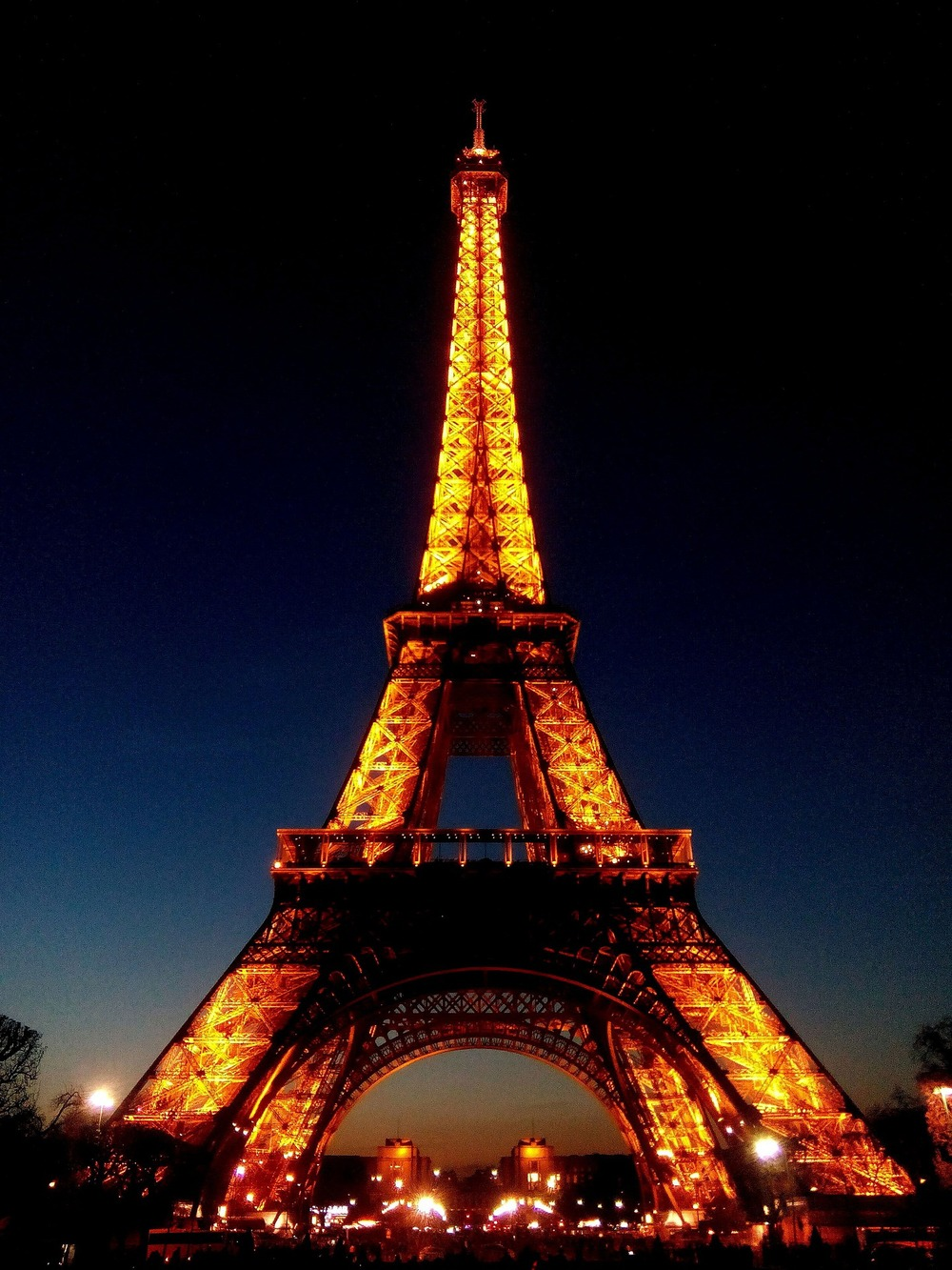 paris at night -CC0 Public Domain.jpg