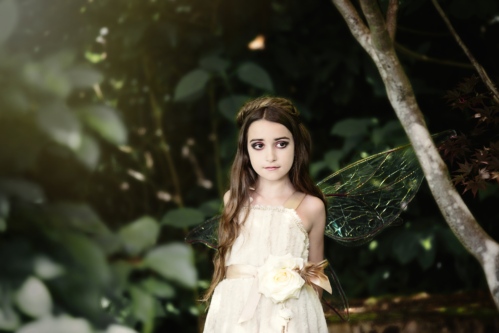 Model: Summer (  Laura O'Berry  ) , MUA: MUA :  Talia Fladland  ,  Polishedwithenvy Tiffany