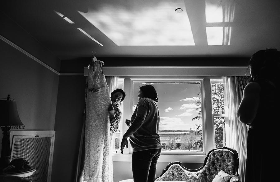 vancouver wedding minnekhada lodge-125.jpg