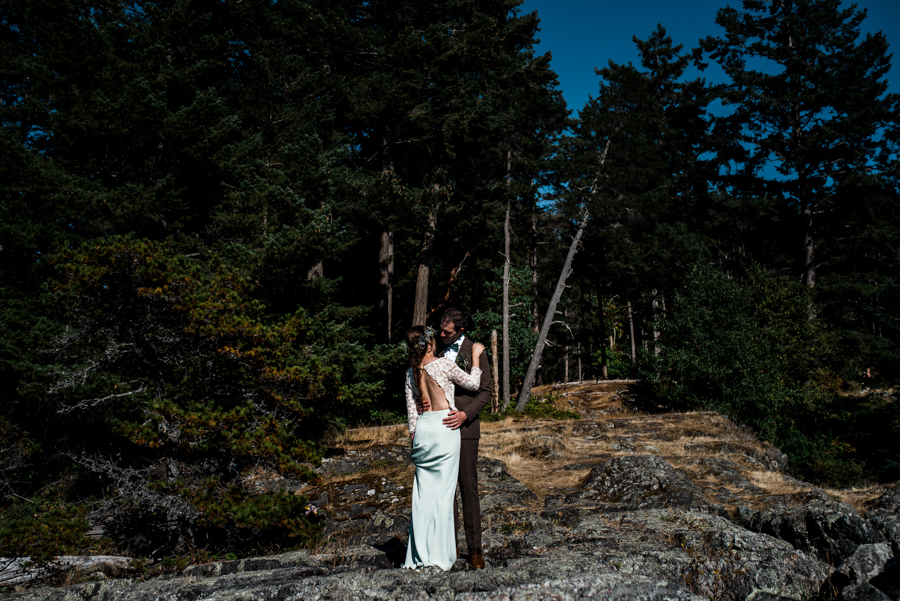 bowen island wedding photographer (119).jpg