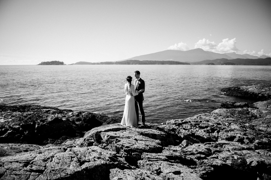 bowen island wedding photographer (122).jpg