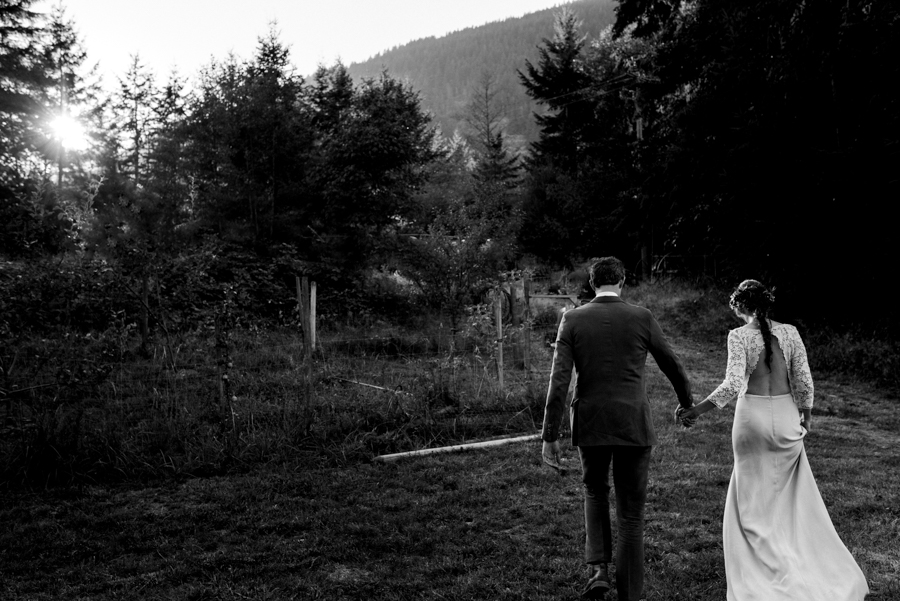bowen island wedding photographer (170).jpg