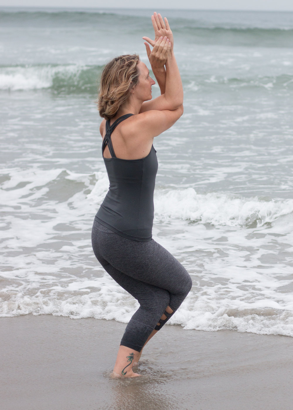 Yoga in Aqua Waves