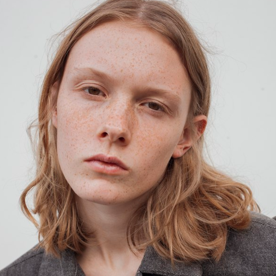 COSIMA LAGAE / Hakim 177 cm 2nd option *needs travel from Brussels (in & out same day)