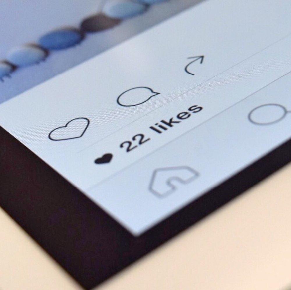 instagram-tablet-device-technology-159435.jpg