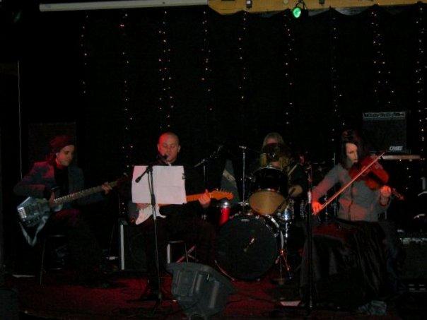 Serenna, Wellington, c. 2004 (L-R): Vivian Stewart, Kane Davey, Jared Carson, Polina Outkina
