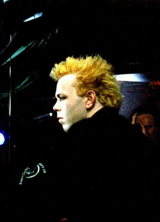 Valve, 7 July 2000.  Photo: ?