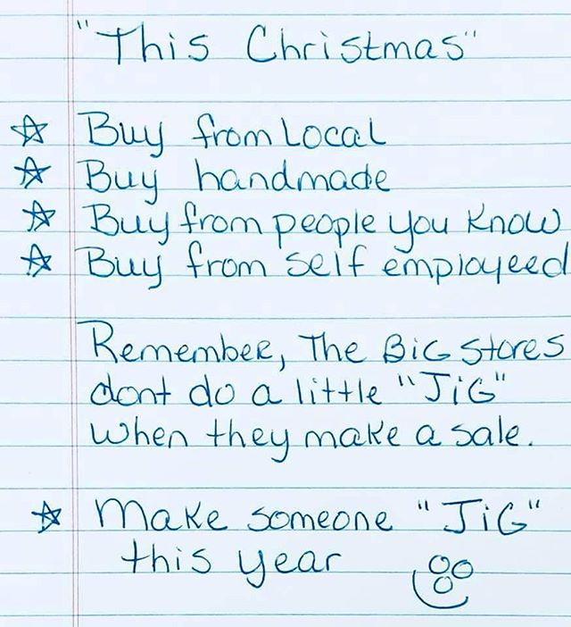 Not sure where I found this to credit it but it is spot on!  Shop local, buy from people you know; small businesses, the markets, artists, artisans and NOT corporations who have everything mass produced offshore. Now is the perfect time to buy or commission art in time for Christmas.  Need advice? Get in touch.  Ps. @justasmidge.mittagong has lovely Christmas gifts ideas too.