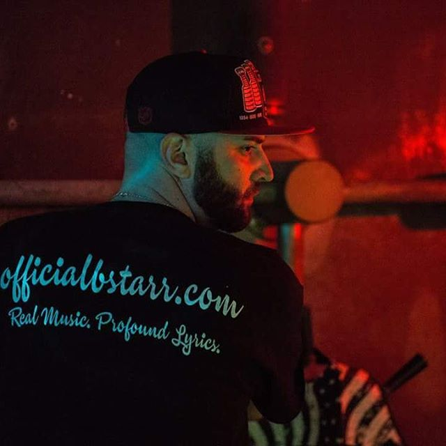 S/O to my photographer/videographer @griftgangfilms & my barber for the fresh line that day. #BreakTheBank #ComingSoon #51317 #CrackTheCode #ISalute #officialbstarr #FeelGoodMusic #HipHopfortheSoul #hiphop #HipHopHead #Lyricist #Lyrical  Officialbstarr.com  Officialbstarr.bandcamp.com  Soundcloud.com/officialbstarr