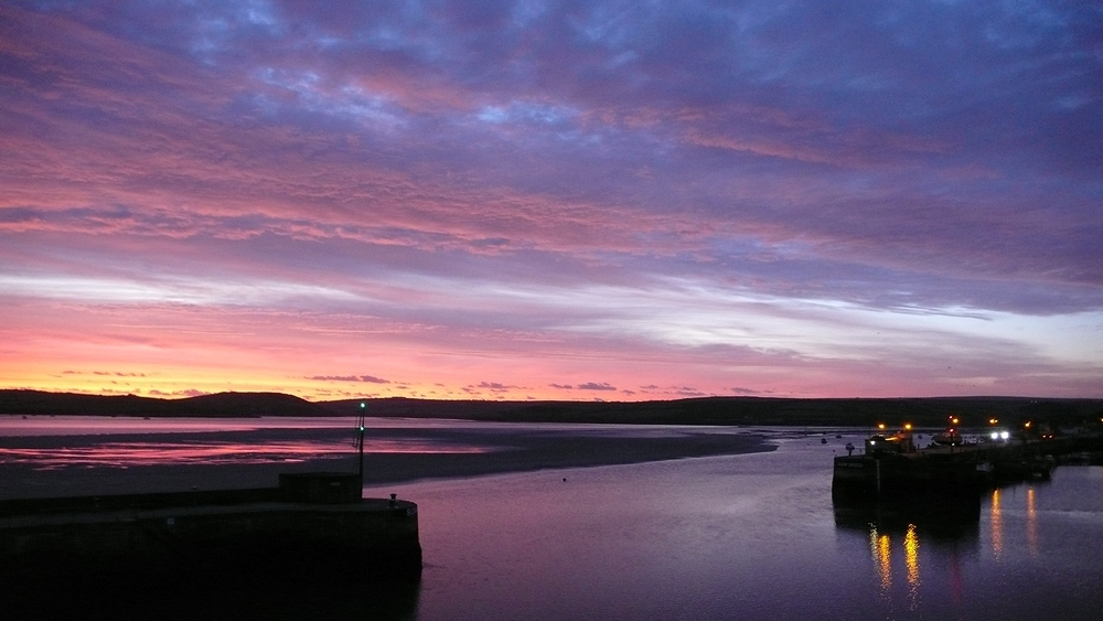 sunset_padstow_harbour_wall.jpg