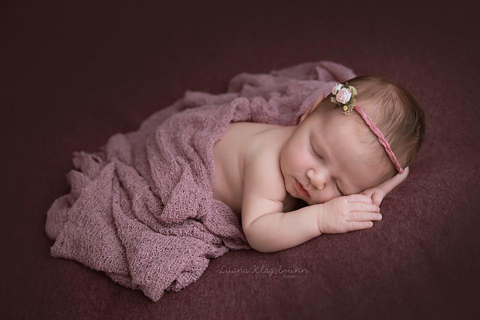 Neugeborenenfotoshooting Karlsruhe Luana Klagsbrunn Portraits 5.jpg