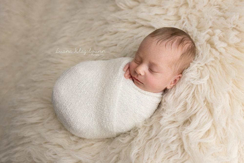 Luana_Klagsbrunn_Babyfotograf_Pfinztal_7.jpg