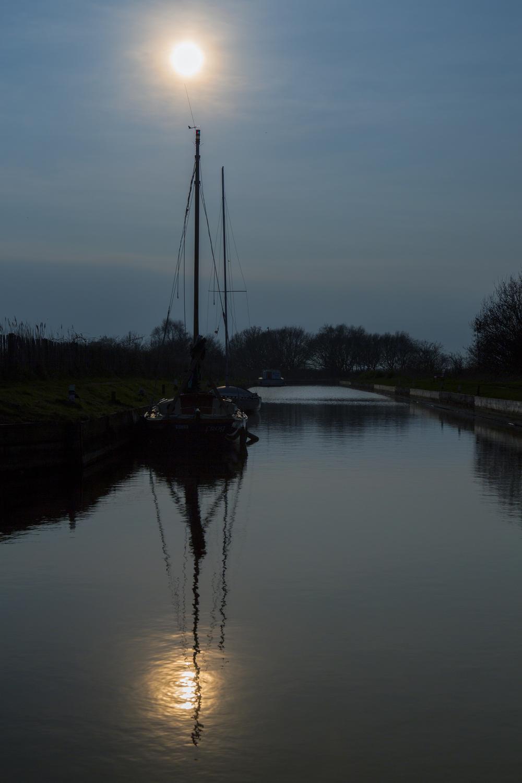 Horsey sail boat .jpg