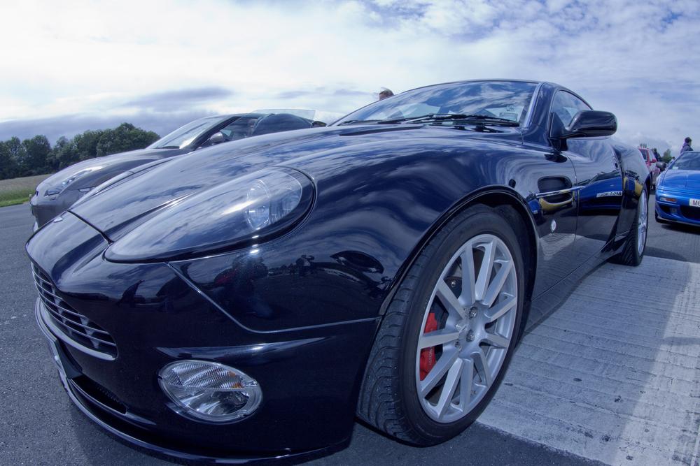 Aston Martin V8 Vantage6.jpg