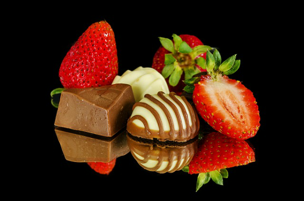 strawberries-chocolate-600X397.png