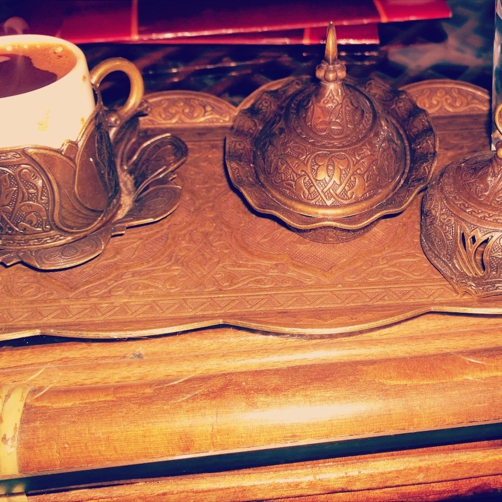 Pictured here is a beautiful bronze nickelised copper Khave set. Its warm tone adds that extra special element of warm coziness especially when served during the winter.
