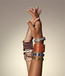 A VIBRANT             COLLECTION  There's something to suit all tastes! 1 Cuff  + 1 leather band = 3 choices!  MIX AND MATCH !  DARE TO                               DAZZLE!