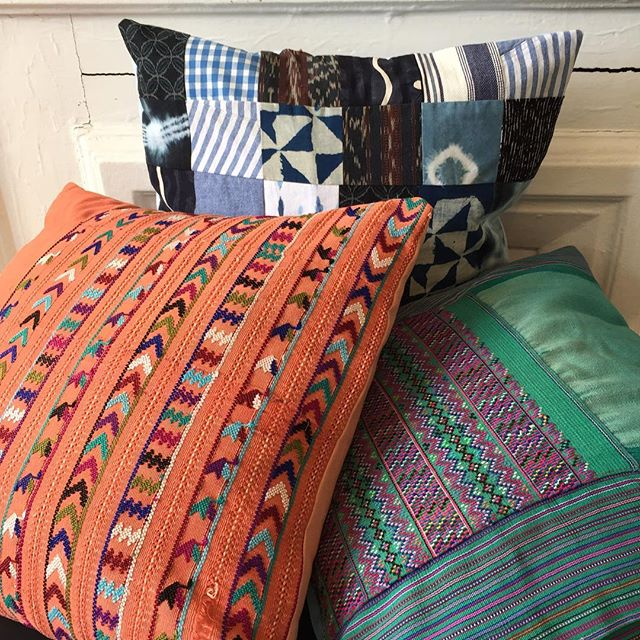 Handmade pillows from vintage and handdyed fabrics how to in my story! Check it out. #huipil #vintage #vintagereconstruction #diy #sewingproject #sewingtutorial #pillow #interiordesign #embroidery #quilted #shibori #handmade #madeinusa🇺🇸 #brooklyn #backtothecraft #onyxmatter