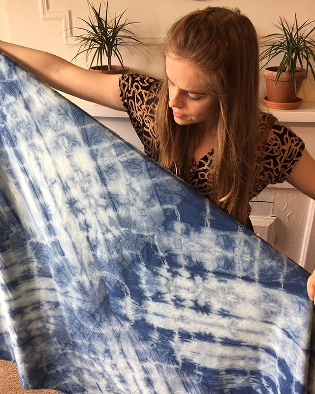 I'm teaching a special indigo tie dye workshop @bkflea on June 2 Dye a pillow for your bed or couch! Sign up in bio . . . #shibori #shiboriworkshop #homedecor #backtothecraft #industrycity #bkflea #thingstodoinnyc #artistofinstagram #artclass #workshop #indigo #indigotiedye #pillow