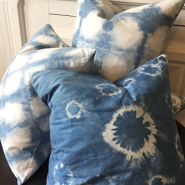 "A few more days left to sign up for my indigo tie dye workshop @bkflea @industrycity for June 2 link in bio. Each person will get a 20x20"" pillow to dye and take home. . . . #shibori #indigo #indigotiedye #pillow #handdyed #shiboriworkshop #textiledesign #thingstodoinnyc #bkflea #industrycity #brooklyn #artclass #backtothecraft #onyxmatter #catherineruhl"
