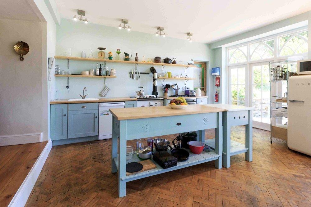 Glandwr-Kitchen2.jpg