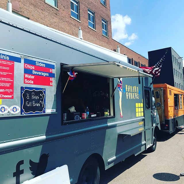 #foodtruck rally 3-930 today! Benefiting @mealsonwheelsmn ! #puppies #food #beer #bouncyhouse #music #sunshine #funinthesun