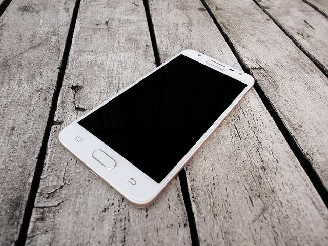mobile-phone-2698971_640.jpg