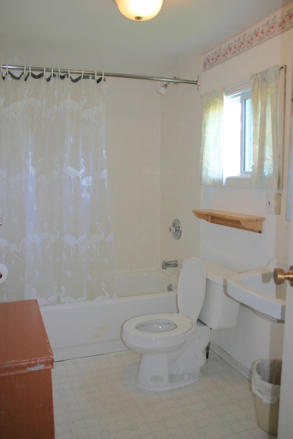 Cottage 2 Bathroom.jpg