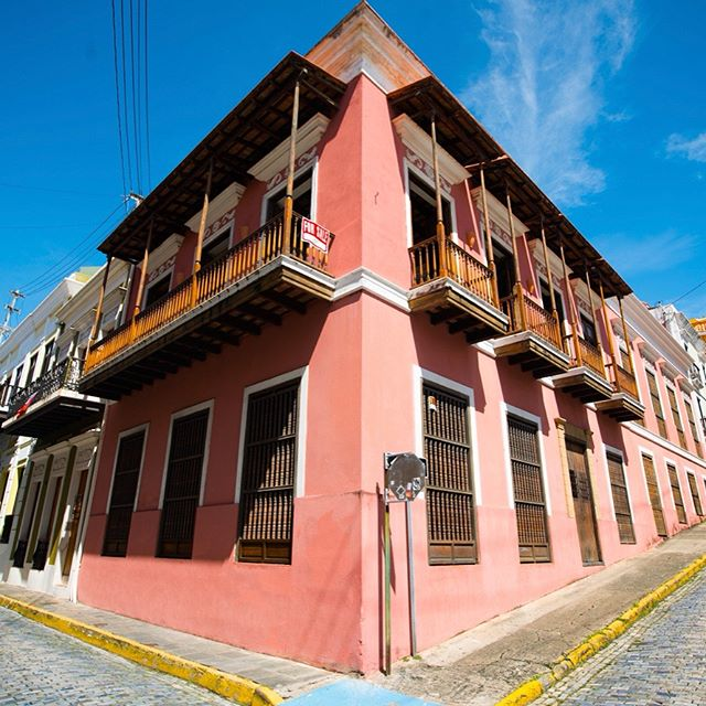 Ladies and gents... We're officially in escrow! If all goes well, we'll be spending our first Christmas in our first home in San Juan. We didn't plan to be the owners and stewards of a 200-year-old rum baron's mansion, but sometimes home finds you. 😍