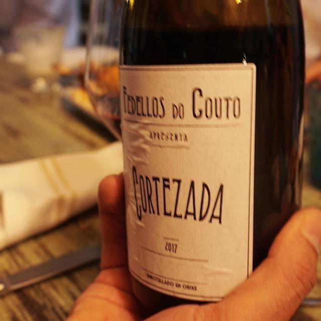 Cortezada 2017, Fedellos do Couto + Ramen de Sudado con Cangrejos + Anticuchos Pulpo, Corazón, Pato ... vino natural, asian flavors, producto ibérico y punch peruano... boom 💥 qué más? @yakumanka_barcelona + @manorotabcn + @cuvee3000 , gracias @bernibermudo @joancuvee @vinofauri #spiceup #barcelona #puroproducto #purosabor #vinnature #respect