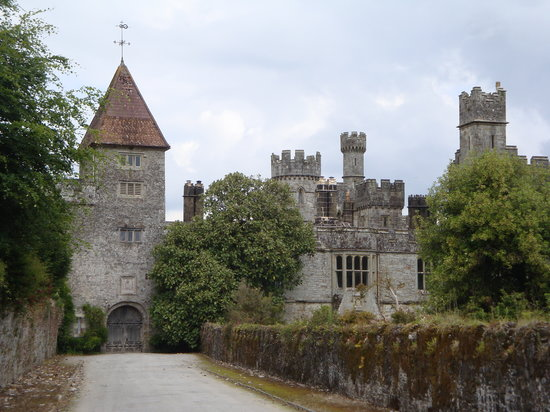 lismore-castle-entrance