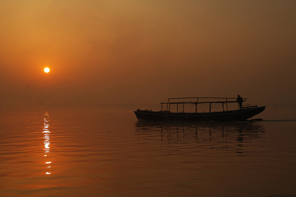 Fred K - India - Sunset on the Ganges 1.jpg