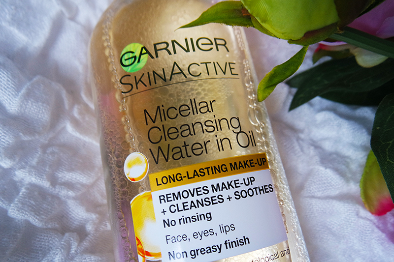 Garnier Micellar Cleansing Water in Oil