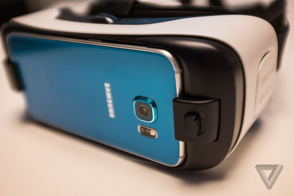 Gear VR with Galaxy S6. Photo by The Verge.