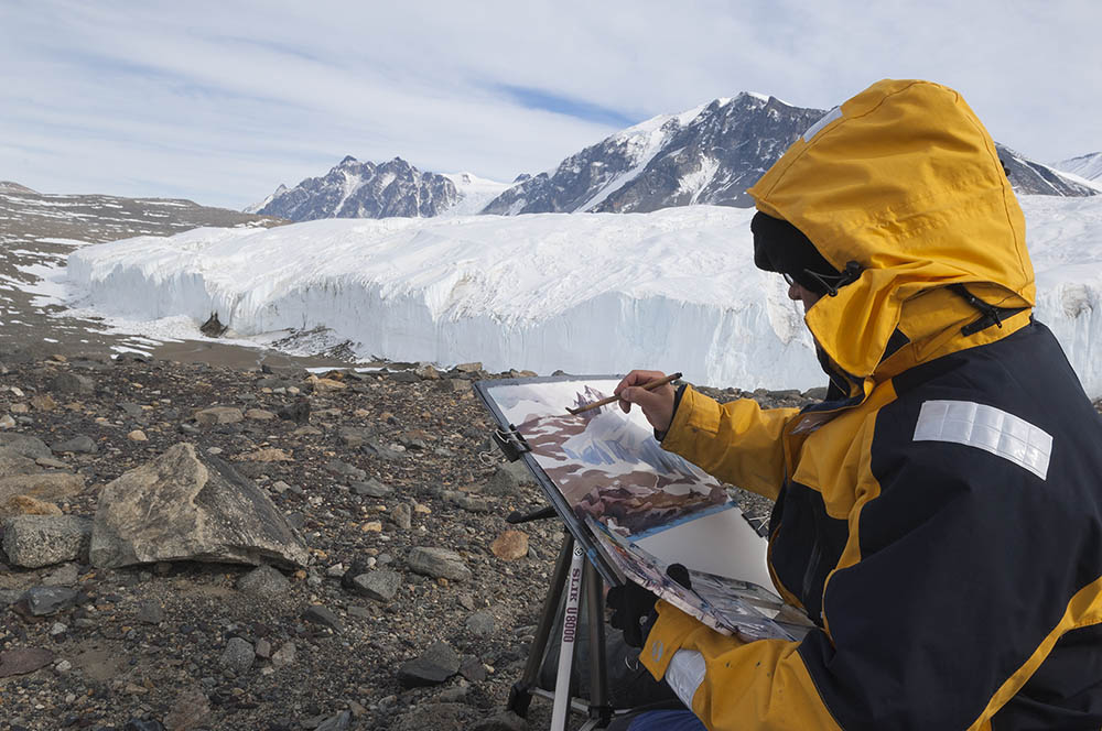 Painting at the Dry Valleys , Antarctica