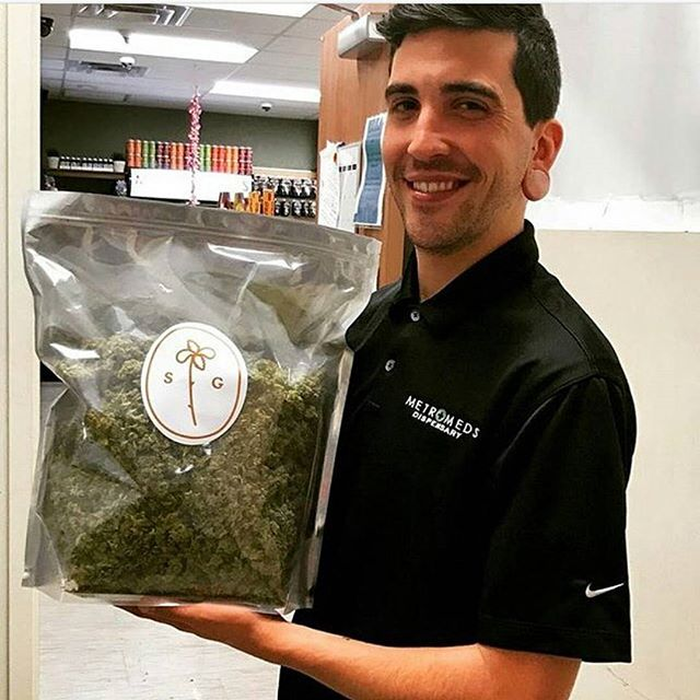 Shout out to @metromedsaz!  #Budtenders #dispensarylife #cannabiscompany #cannabiscommunity #cannabisculture